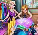 Elsa và Anna sắp xếp tủ quần áo