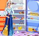 Elsa dọn tủ lạnh